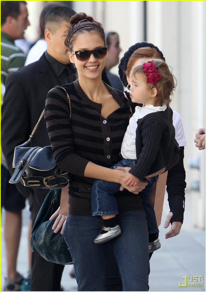Jessica Alba & Honor Marie Go Shopping