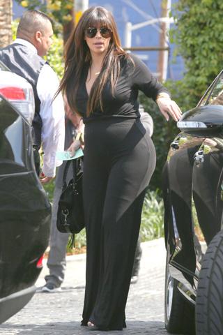 kika3349994_Kim-Kardashian