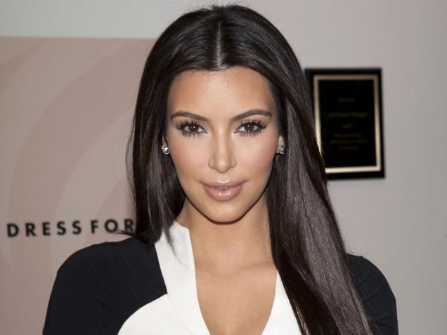 kim-kardashian_tagging