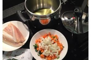 Passata di fagioli con polpettine di pesce